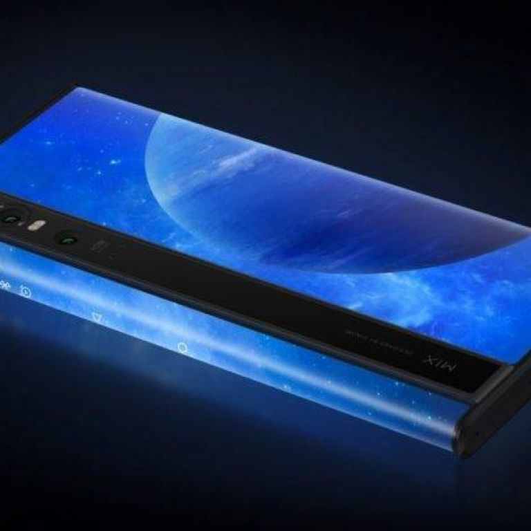 Este es el Xiaomi Mi Mix Alpha, con pantalla hasta la espalda del dispositivo