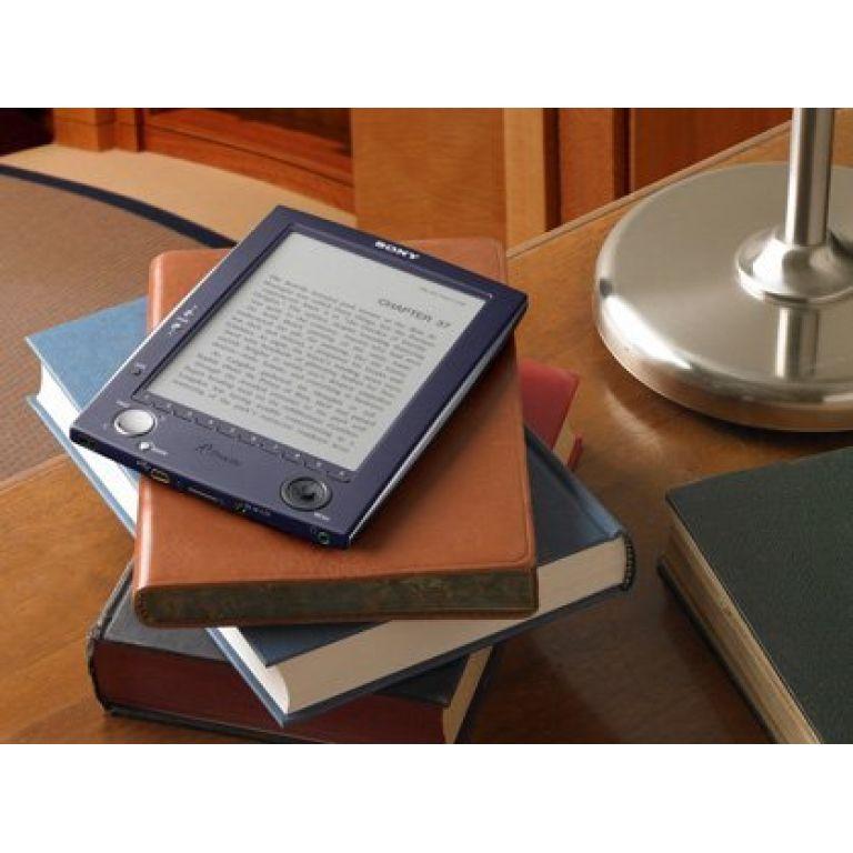 Comienza a calentarse la pelea mundial de los libros electrónicos.