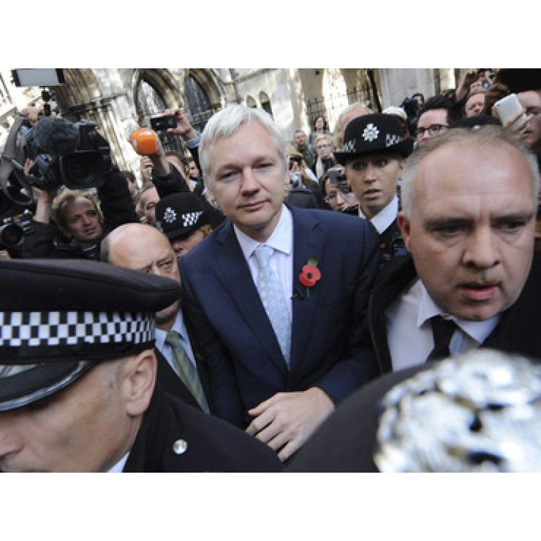 Julian Assange será extraditado a Suecia