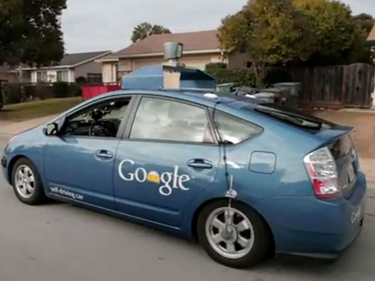 El auto de Google que se maneja solo, ahora en manos de un no vidente.