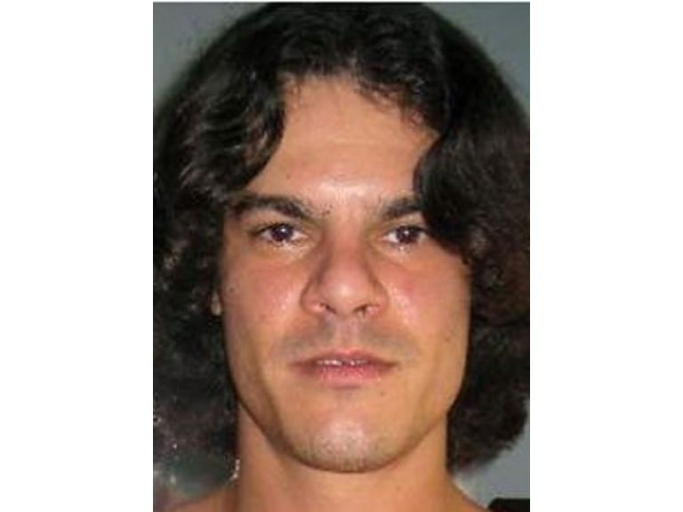 Lo condenan a 20 años de prisión por piratear millones de tarjetas.
