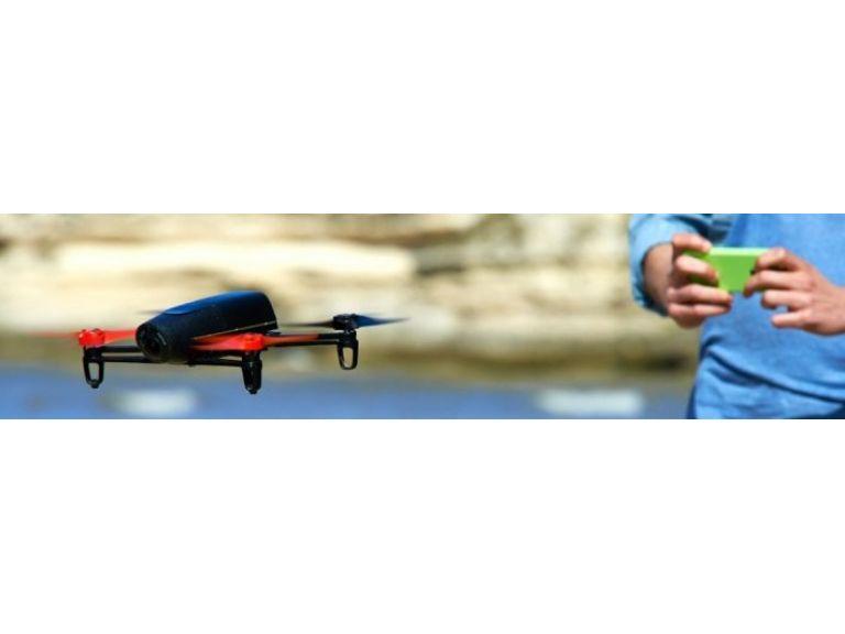 Un dron que se controla con anteojos de realidad virtual