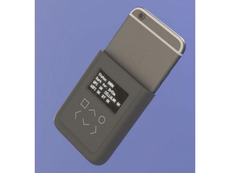 Edward Snowden diseña un accesorio para evitar que espíen tu iPhone