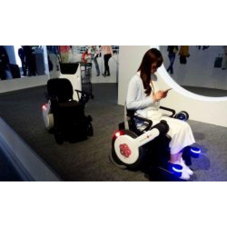 Panasonic prueba silla de ruedas autónoma en aeropuerto de Tokio